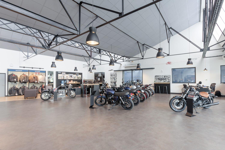 Visite virtuelle 360 yvelines louveciennes triumph moto for Visiter les yvelines